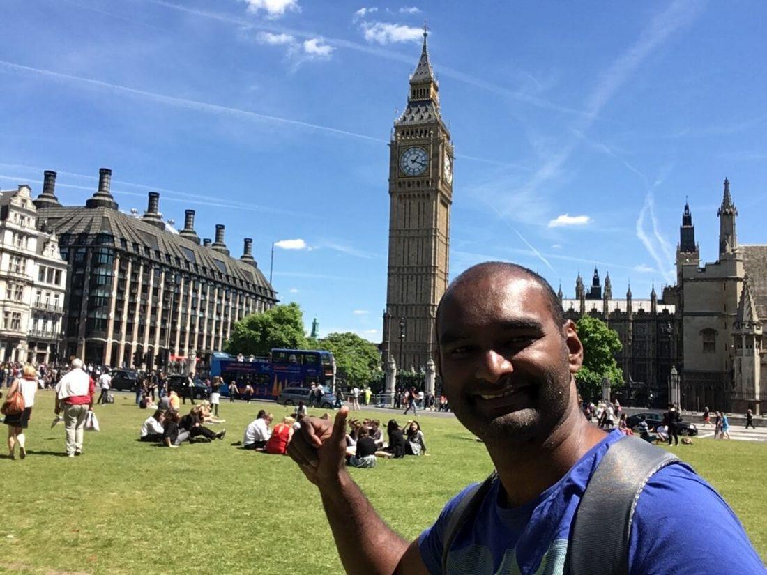 Een hele mooie dag in Londen en achter mij staat de Big ban.