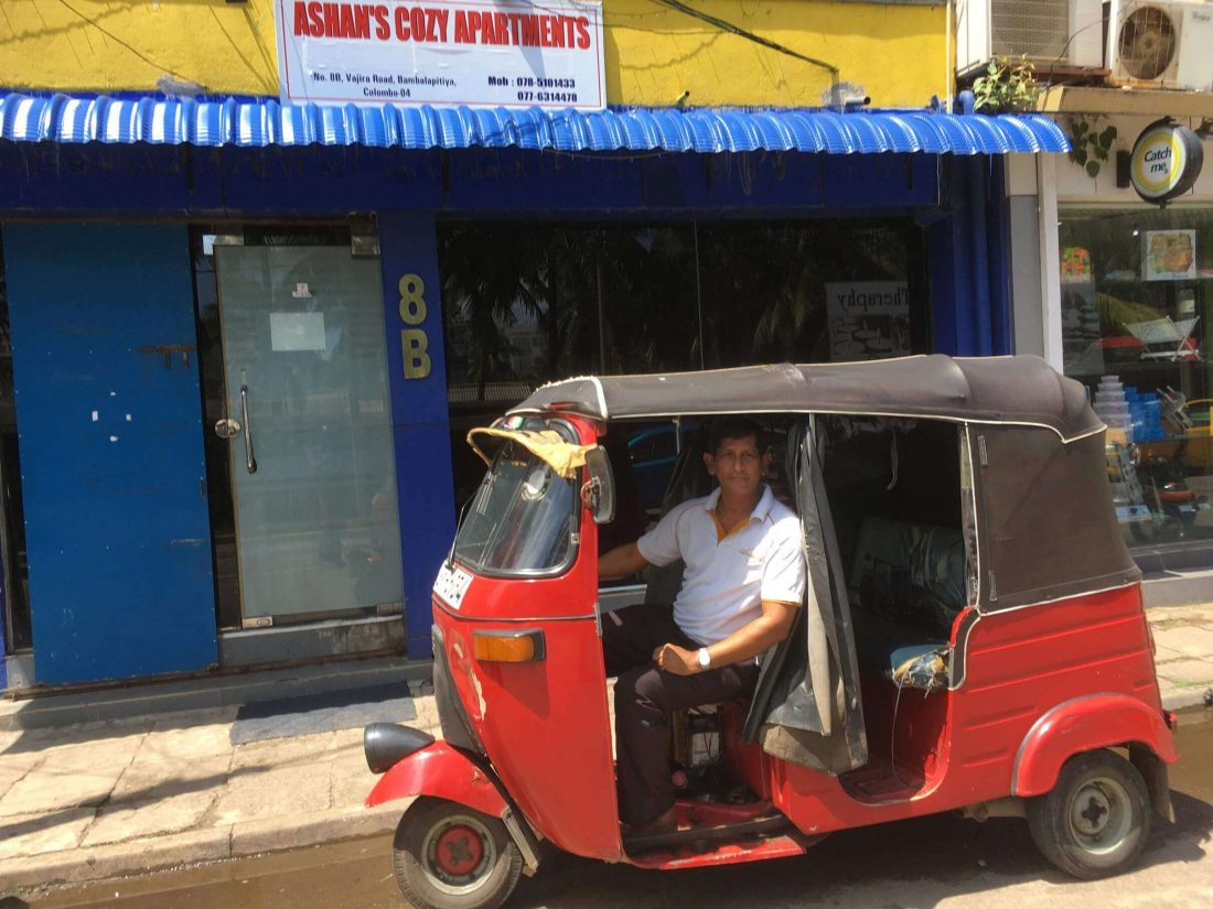 Laksman in de tuktuk.